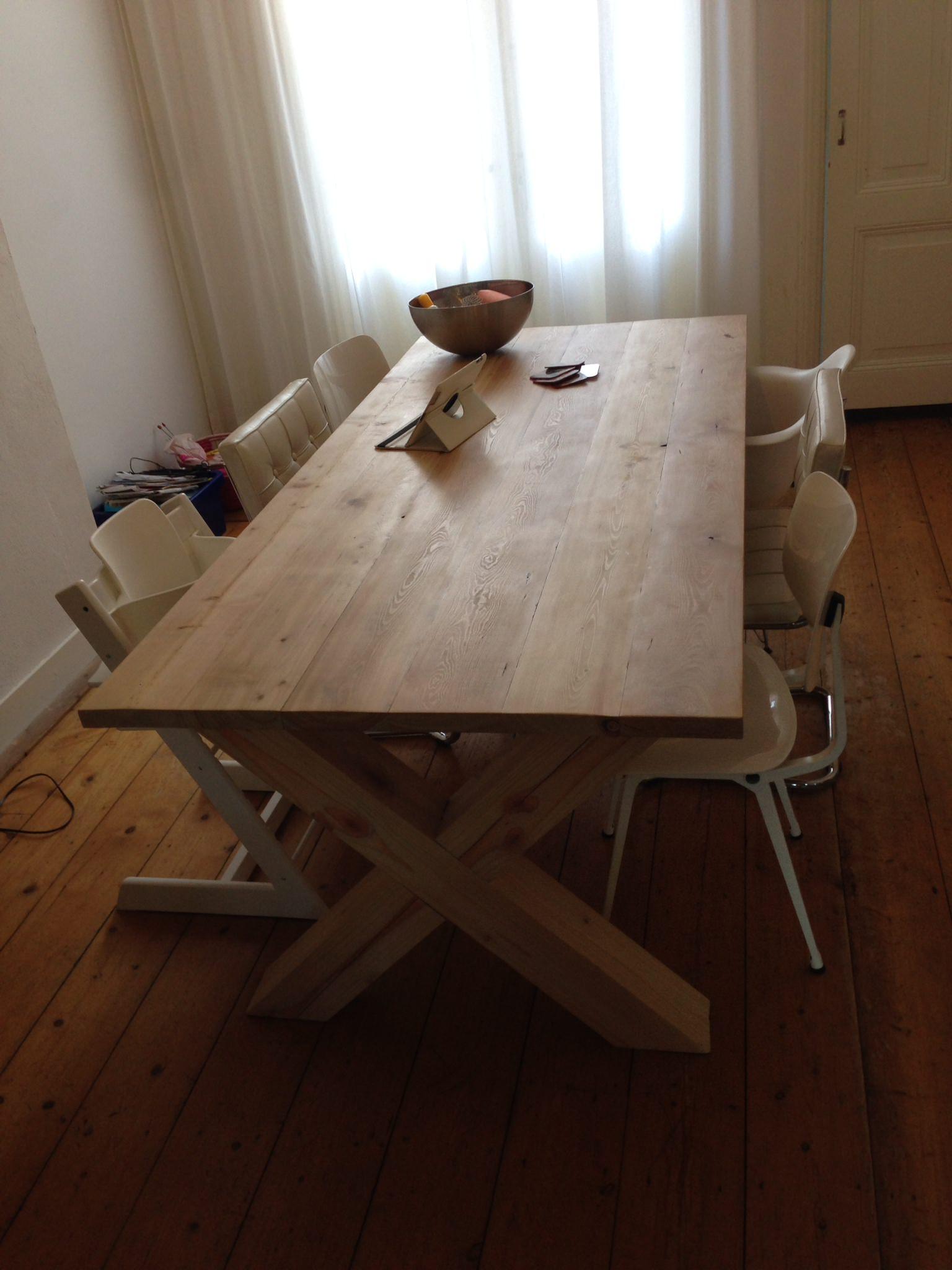 Handgemaakte meubels - Eettafel met kruispoot