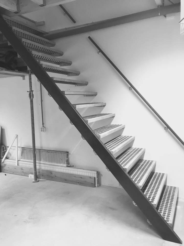 Nieuwe trap in werkplaats